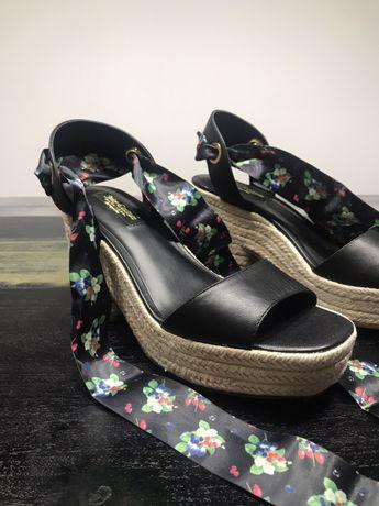 Sandały czarne na koturnie sznurek wiązane 38 New Look,buty