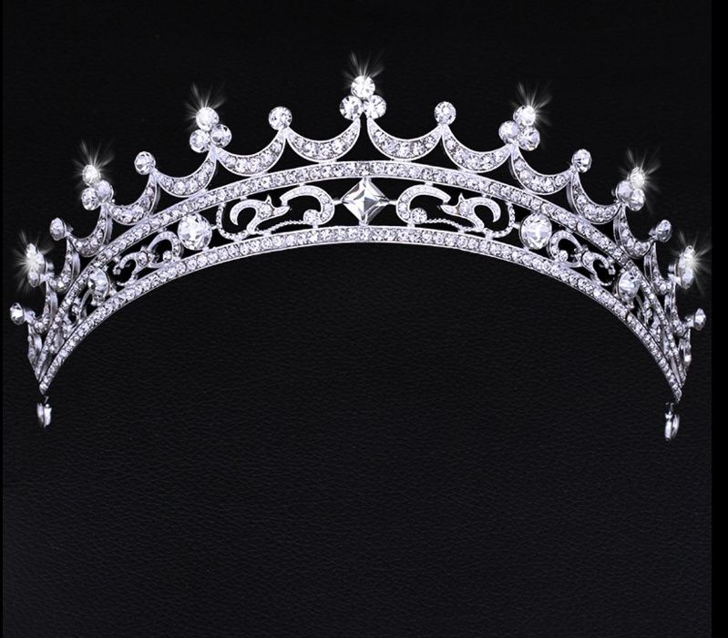 Tiaras Coroas travesas para Noivas Rossy Noivas. Temos Loja Fisica