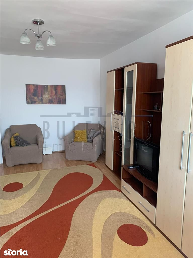 Apartament cu 2 camere decomandat la cheie!