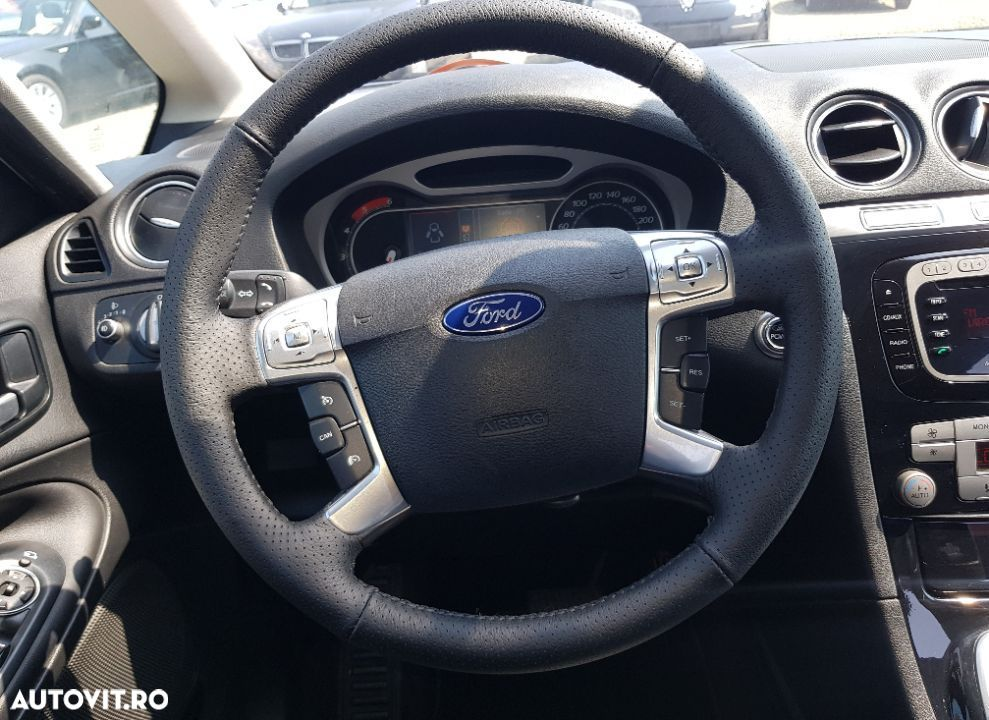 Ford S-Max 2.0 - 13