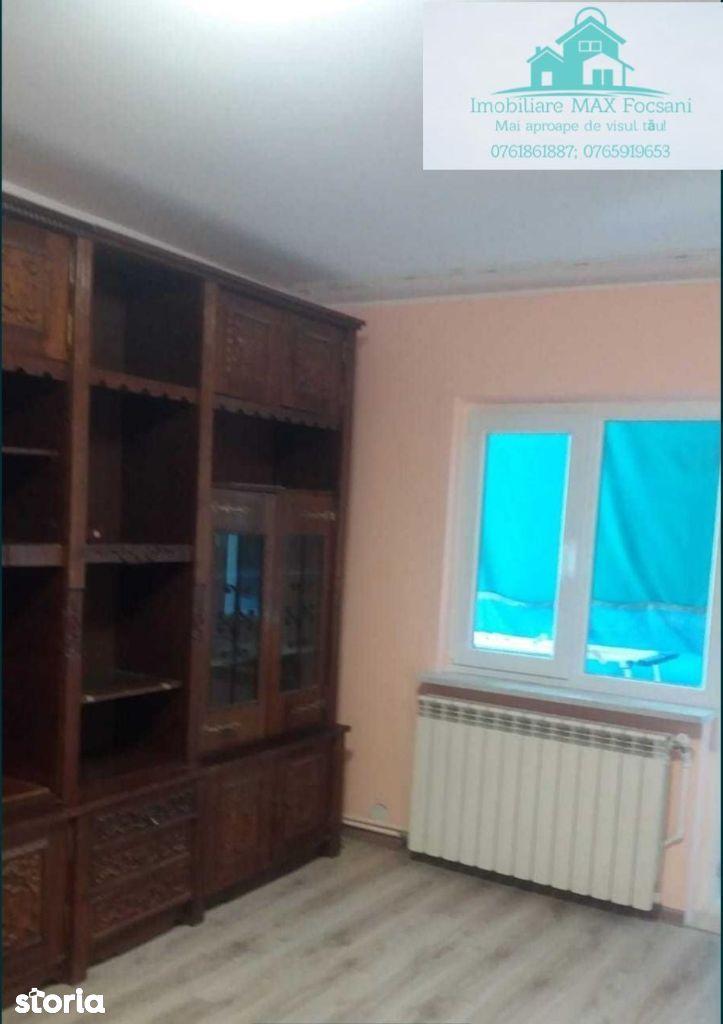 Apartament 2 camere, 57 mp, et.3, renovat, CT, AC, zona fosta Autogara