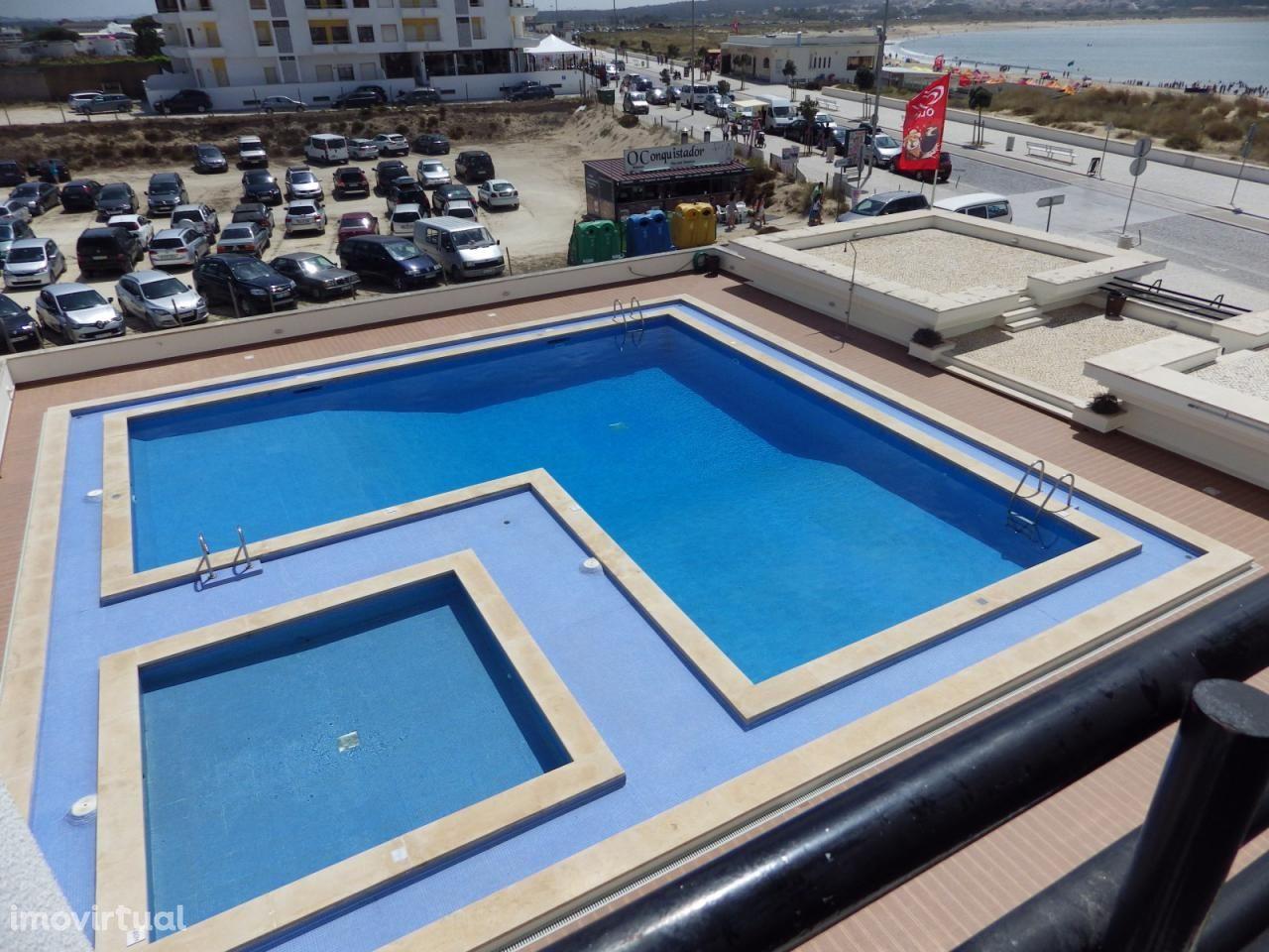 Apartamento T1 férias piscina marginal São Martinho Porto