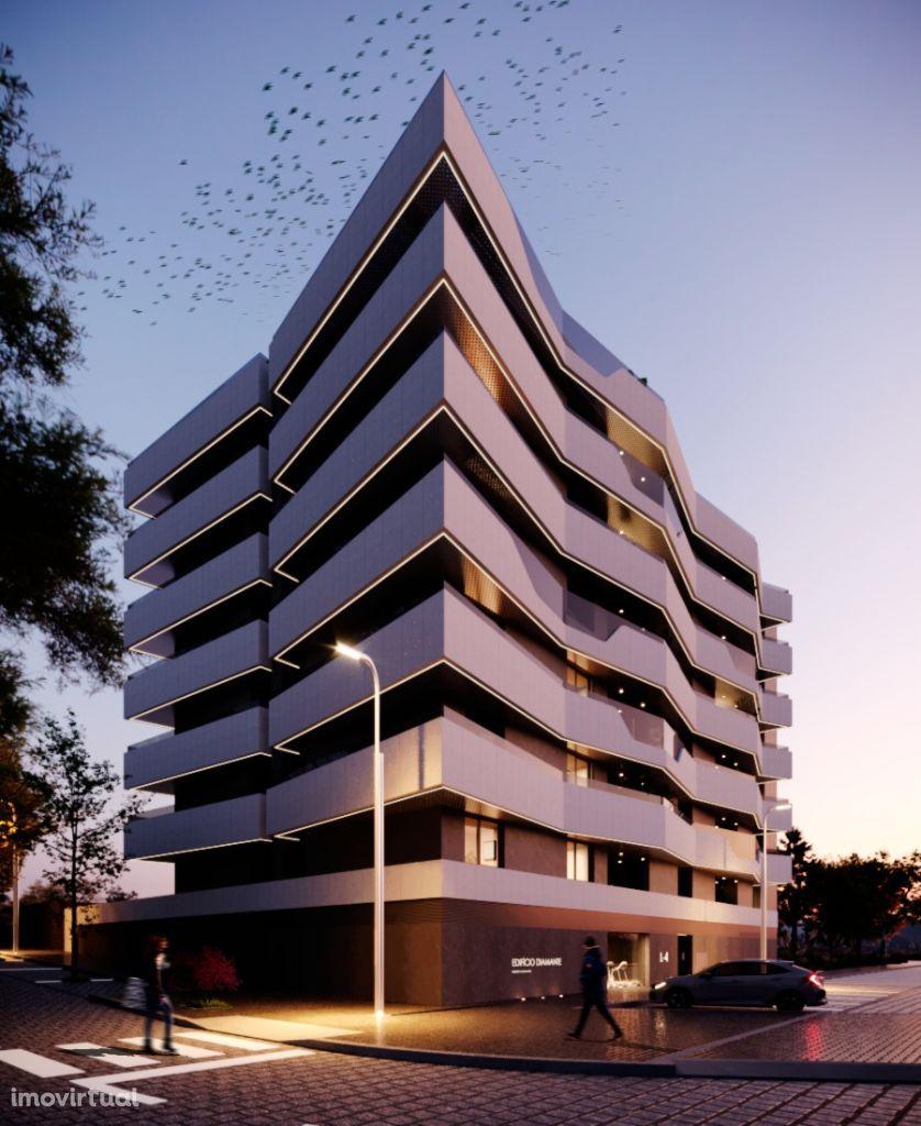 """Apartamentos de Alto Padrão de Luxo """"Edifício Diamante"""" em S.J.Madeira"""
