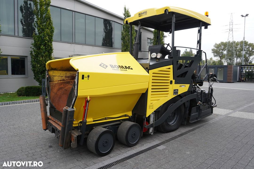Bomag BF 300P , 6X4 , Work width 3,4 + 0,6m , SideView , auto-greasing - 3