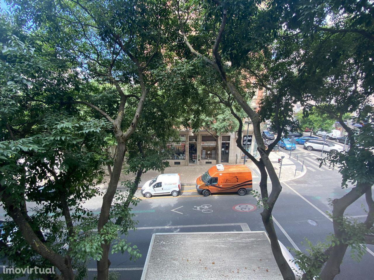 Apartamento T3 em Rua De Dona Estefânia, Lisboa