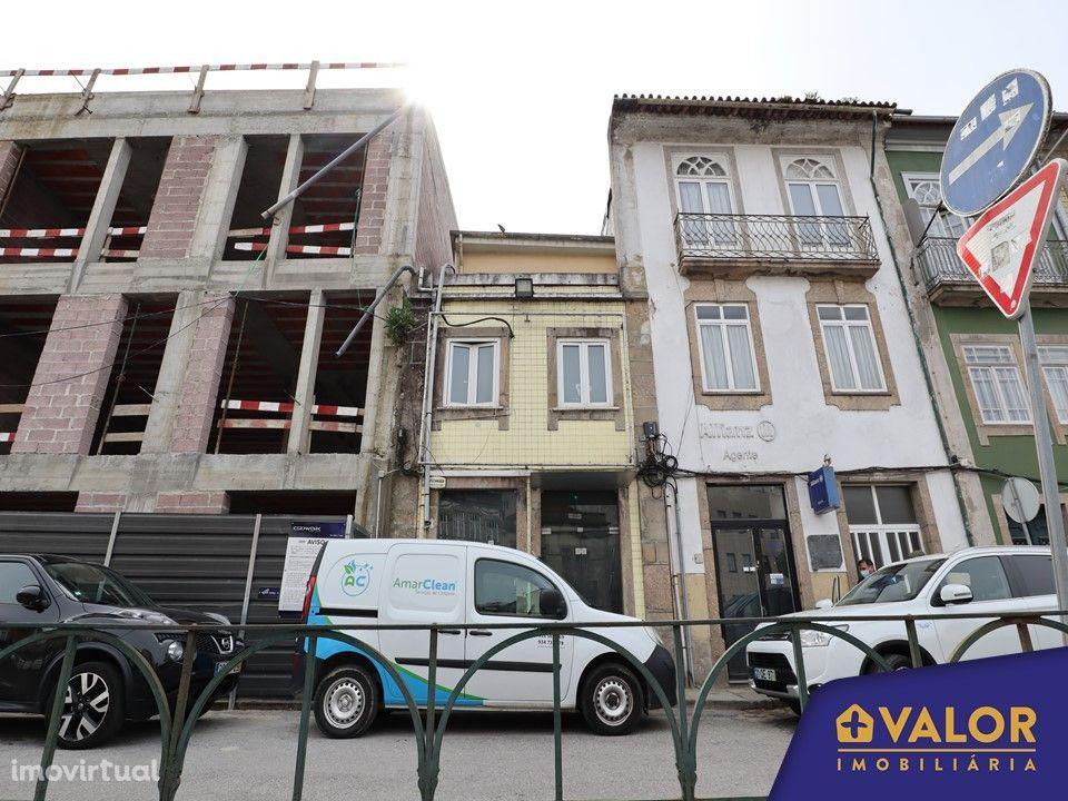 Prédio no Centro Histórico de Braga para reconstrução