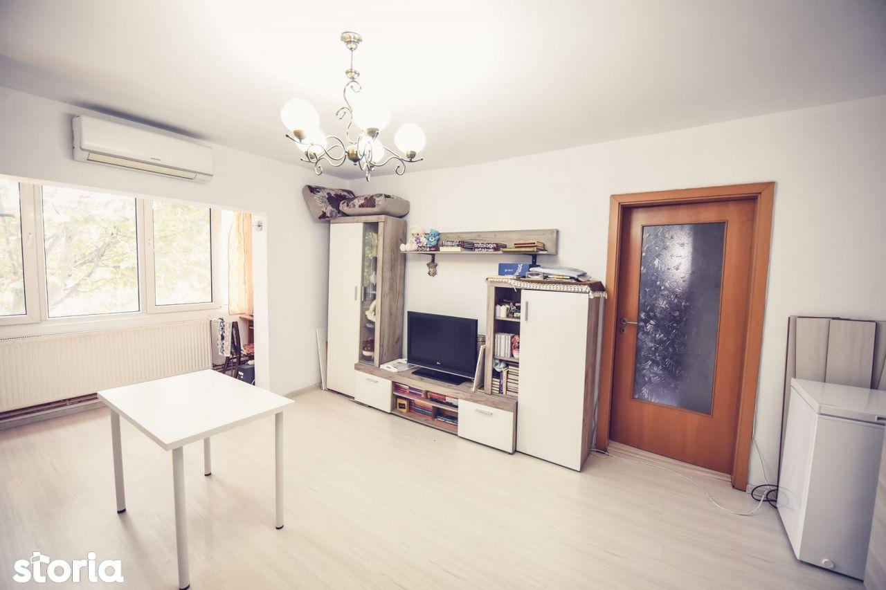 Apartament spatios cu 3 camere
