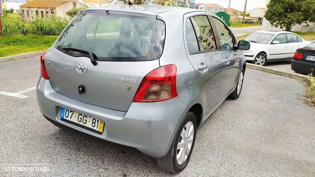 Toyota Yaris 1.0 VVT-i Rock in Rio 08 - 21