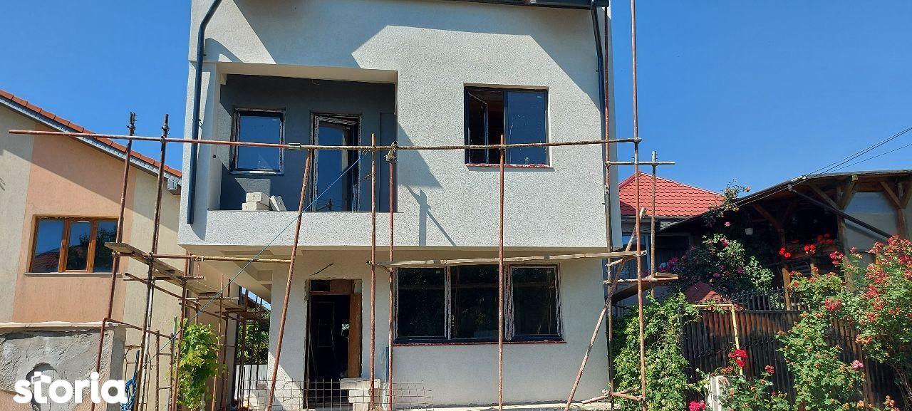 Anda vila d+p+1+m 5 camere decomandat constructie nou