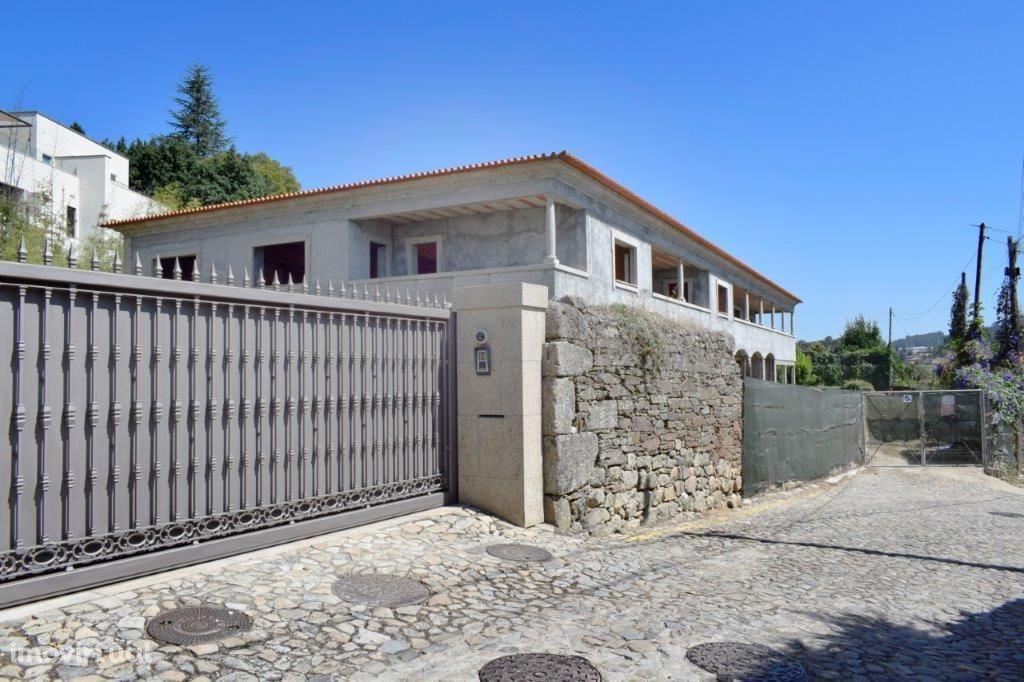 Moradia T5 | 4 Frentes | Santo Tirso, Centro