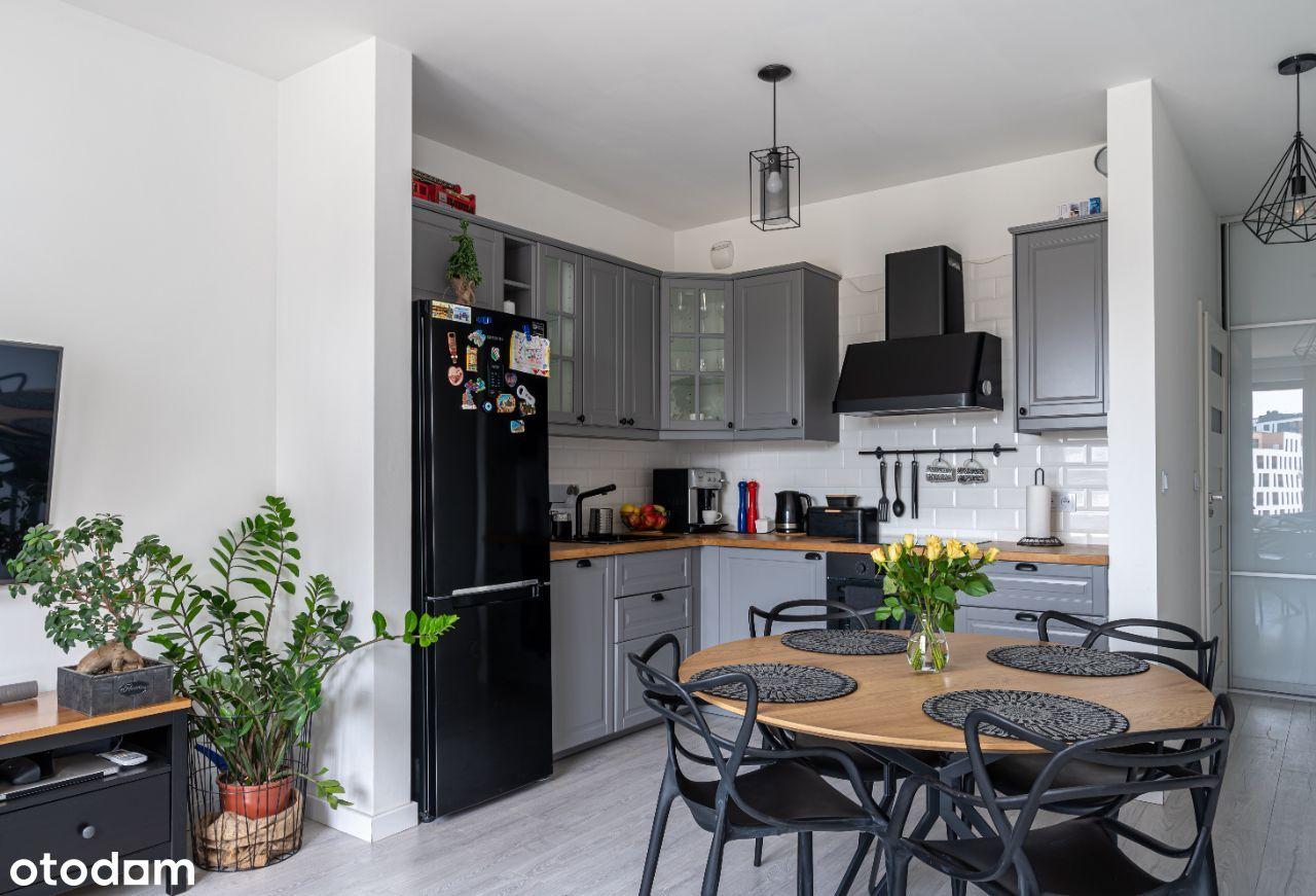 Przestronna i komfortowe mieszkanie- bezpośrednio