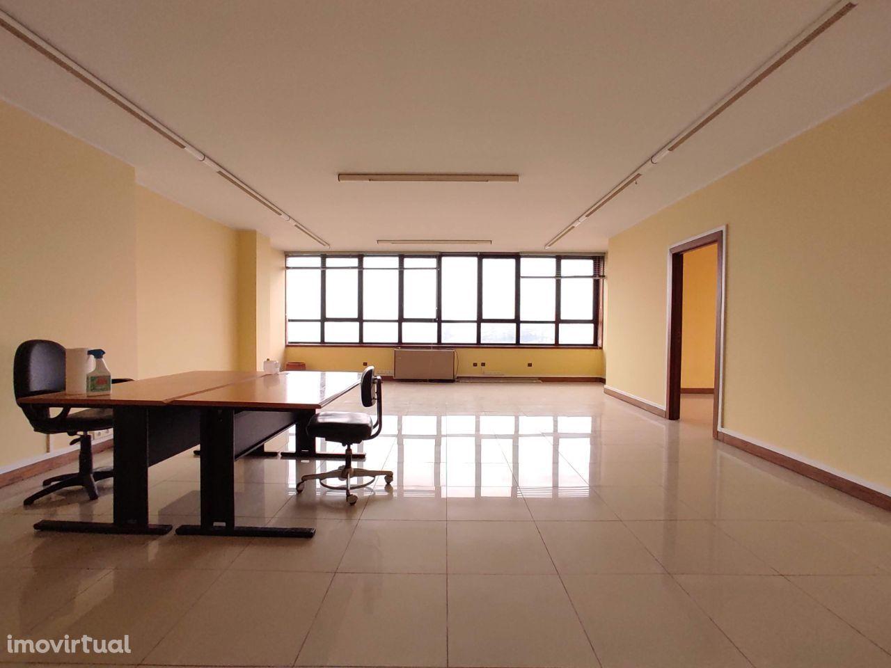 Escritório para venda no Campo Alegre Business Center, Porto