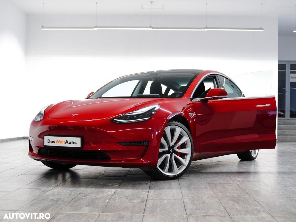 Tesla Model 3 Performance - 30