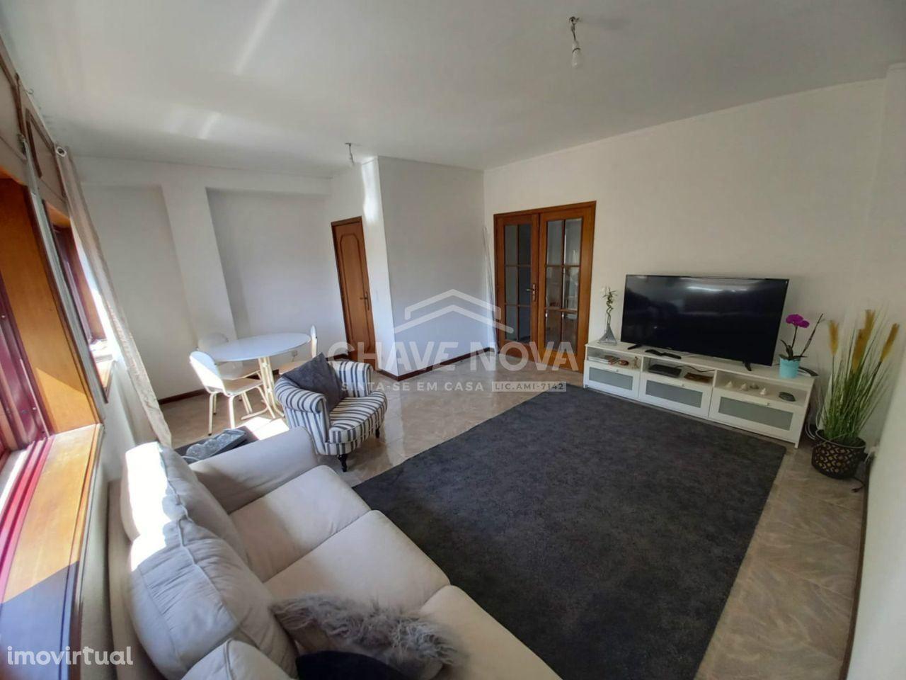 Ótimo T2, 2 WC, com 80 m² em Paço de Rei, Mafamude, Vila Nova de Gaia