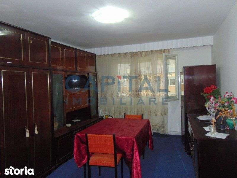 COMISION 0%! Vanzare apartament 3 camere decomandat, Zona Mehedinti