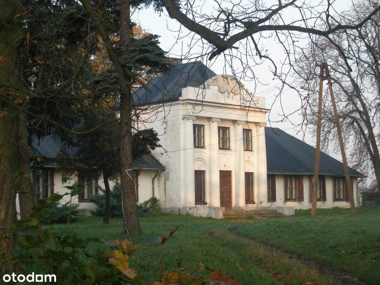 Dwór z XIX wieku na Mazowszu