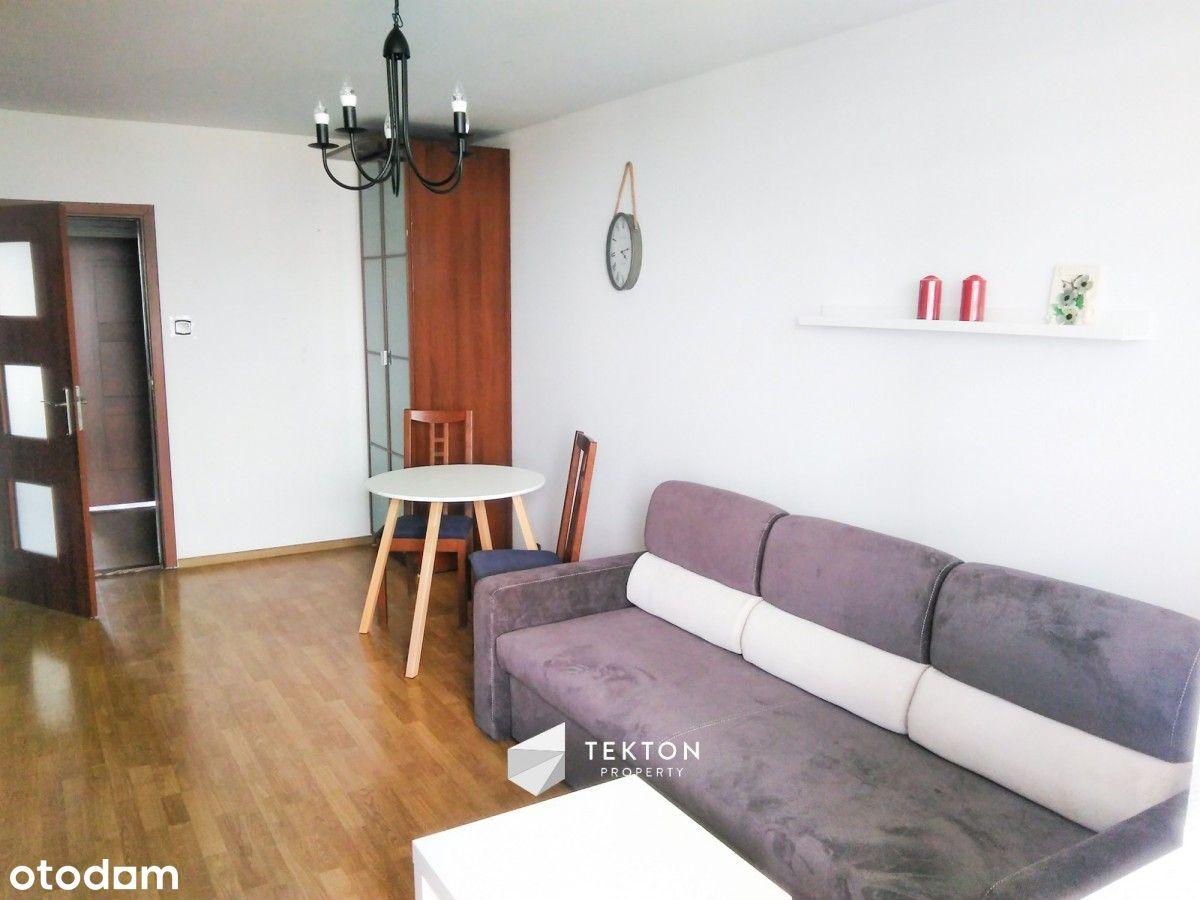3 pokojowe mieszkanie z oddzielną kuchnią.