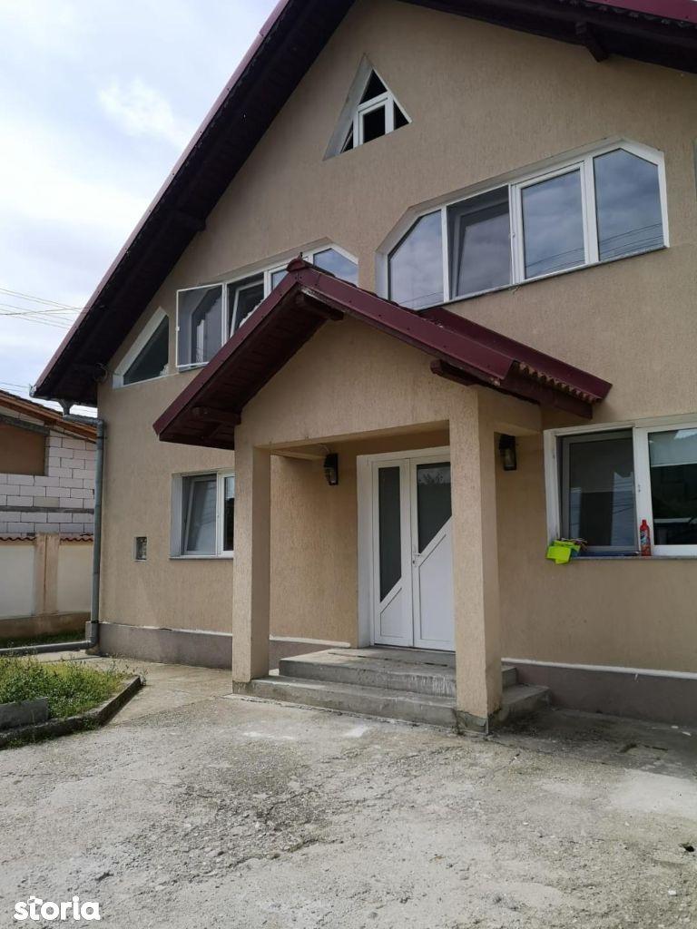 Casa situata pe strada Arinilor p+1`