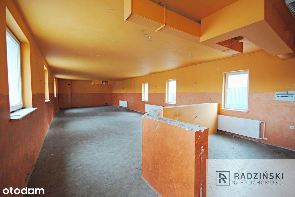Duży lokal na piętrze w budynku usłgowym