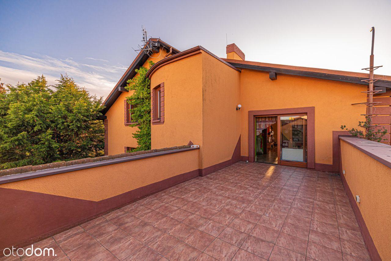 Piękny dom, jacuzzi dla całej rodziny.
