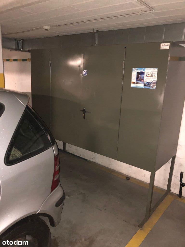 wynajmę miejsce w garażu podziemnym wraz z boxem