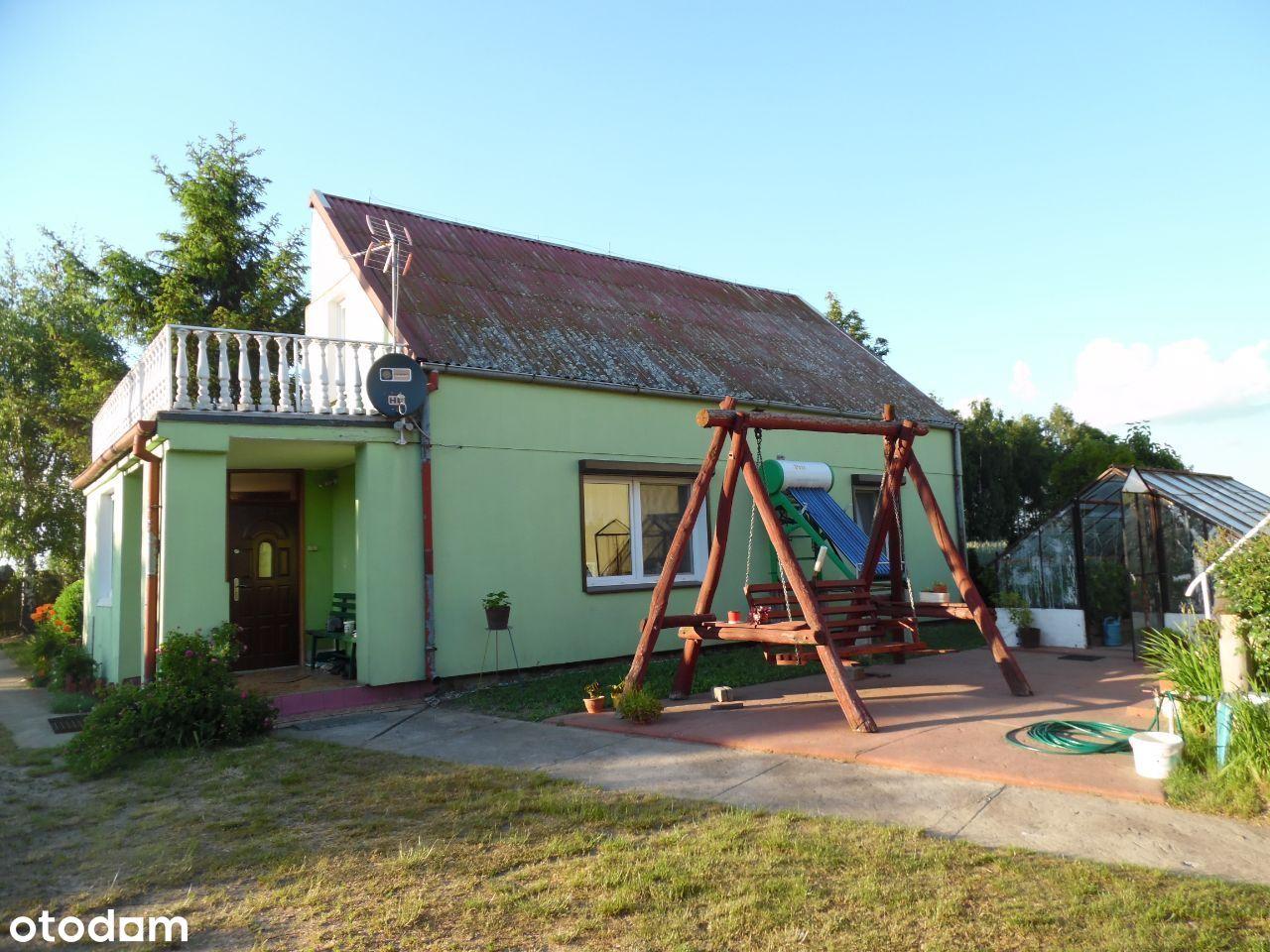 Dom jednorodzinny w spokojnej okolicy