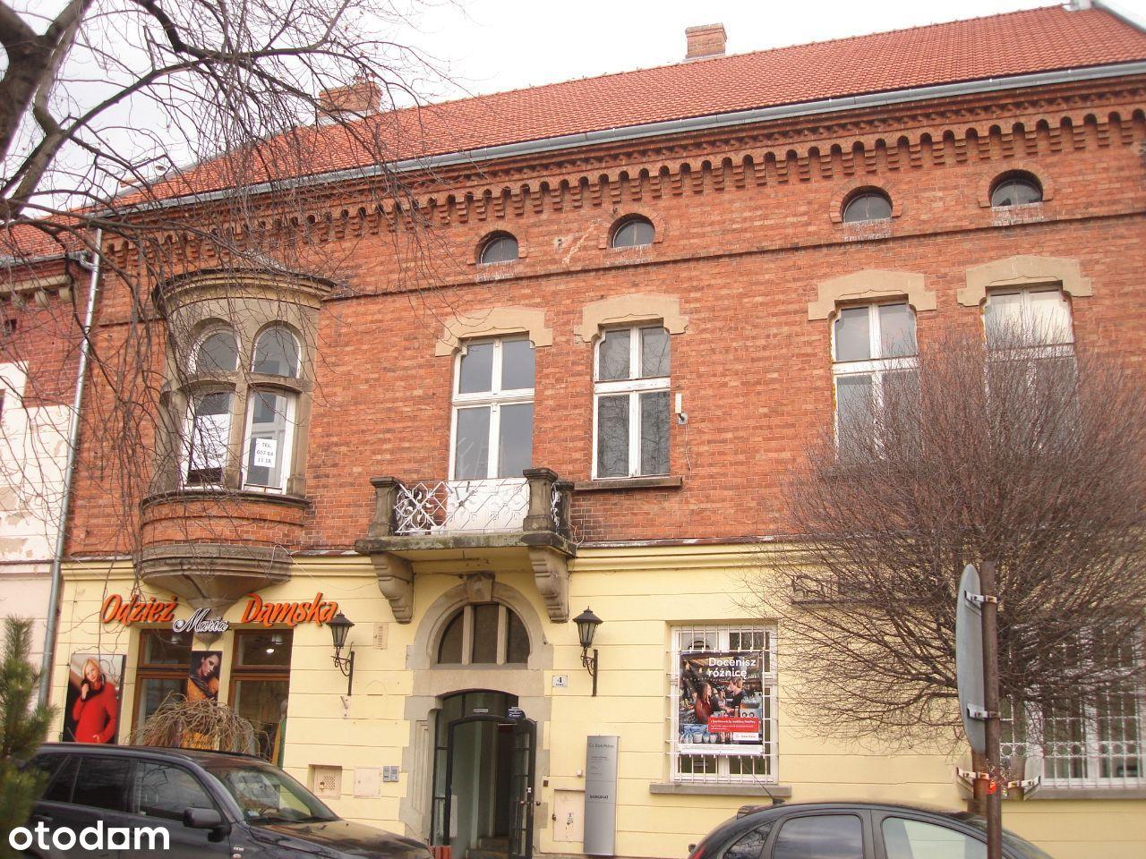 Przestronny lokal biurowy na I piętrze przy Rynku