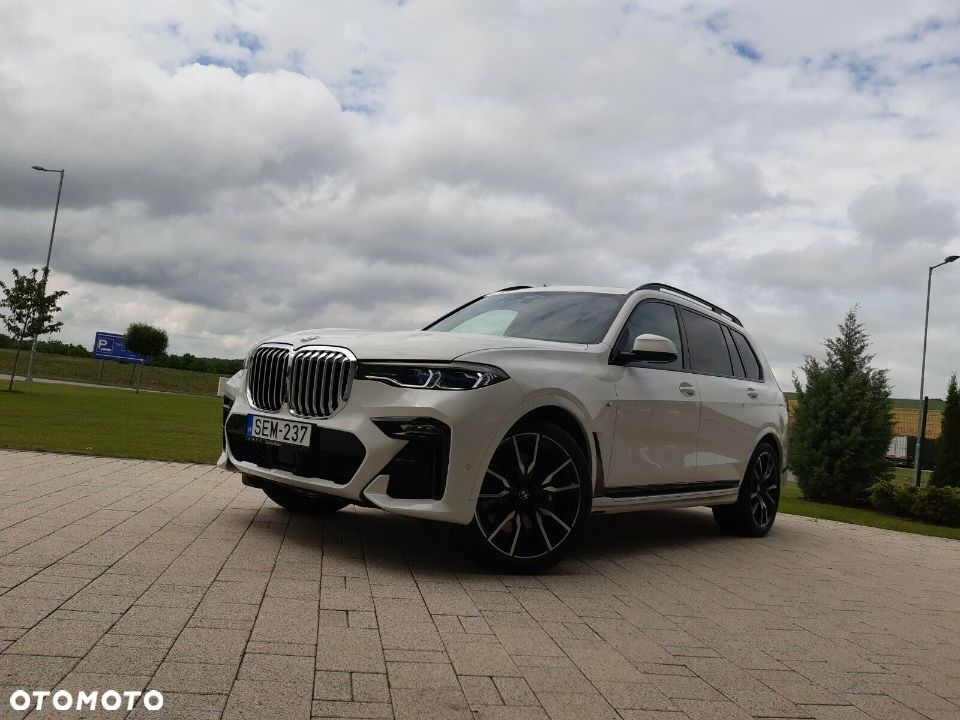 BMW X7 M50d 400KM, LaserLights, HarmanKardon, 22