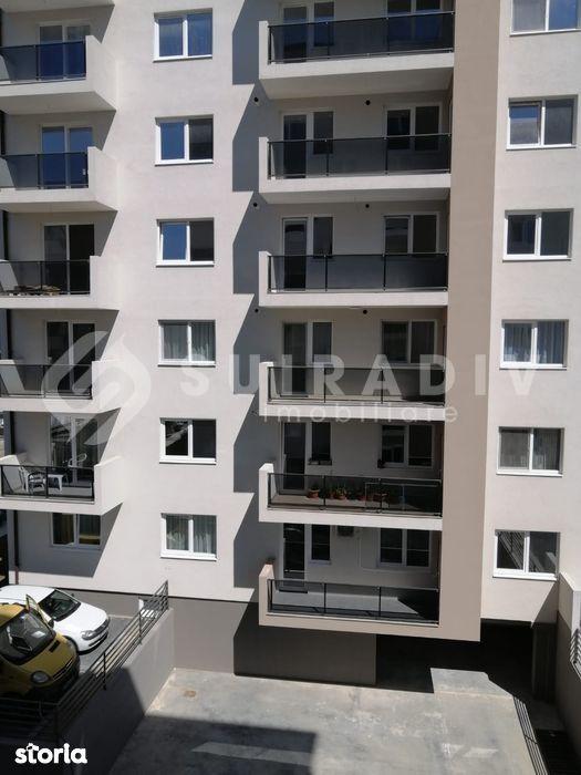 3 camere semidecomandate+ balcon deschis- VIVO