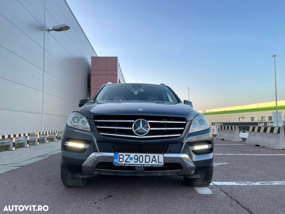 Mercedes-Benz ML 350 - 12