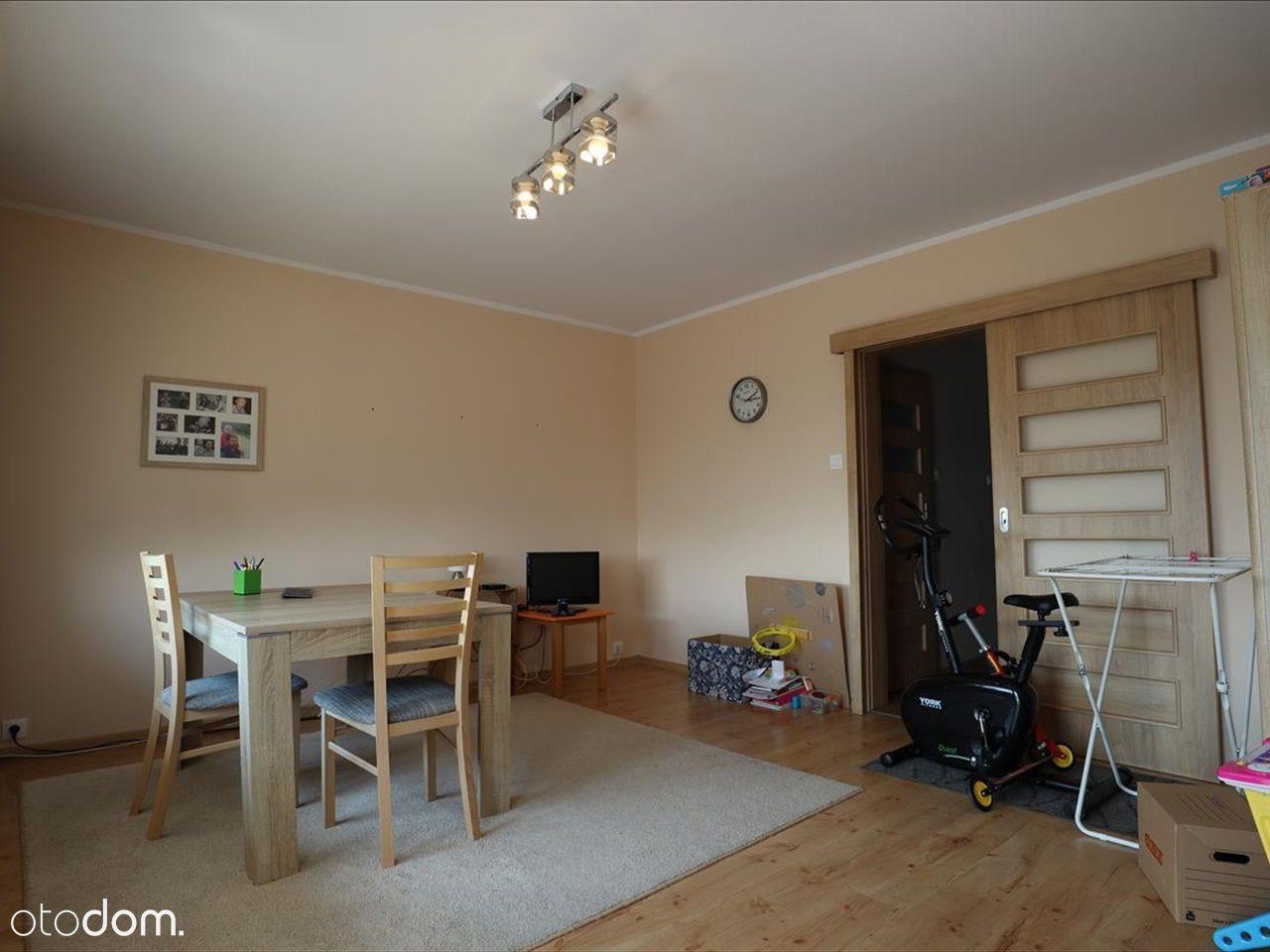 Trzy pokojowe mieszkanie Białogard.