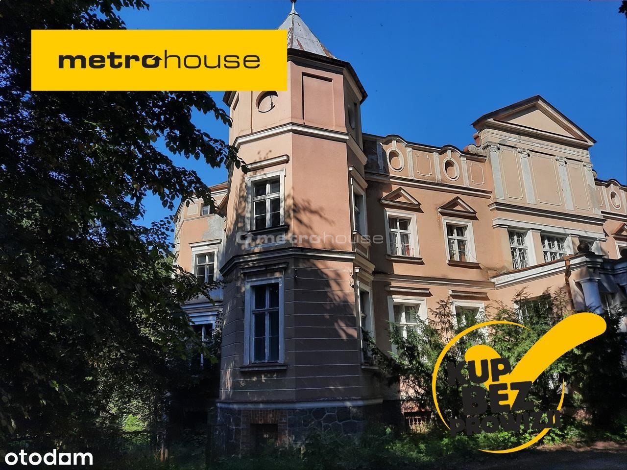 Urokliwy zespół pałacowo parkowy w okolicy Słupska