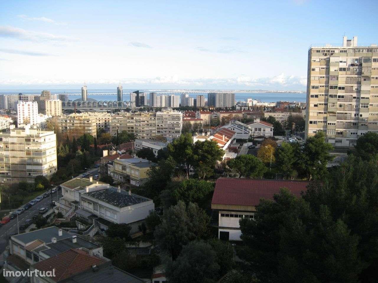 Apartamento para comprar, Rua Cidade de Nova Lisboa, Olivais - Foto 1