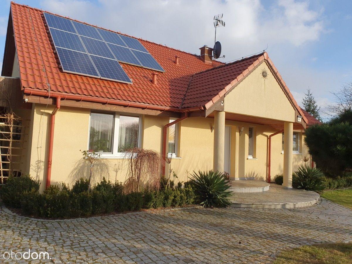 Funkcjonalny, komfortowy dom w cichej okolicy