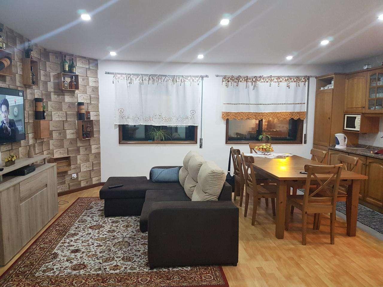 Apartamento para comprar, Paços de Brandão, Santa Maria da Feira, Aveiro - Foto 1