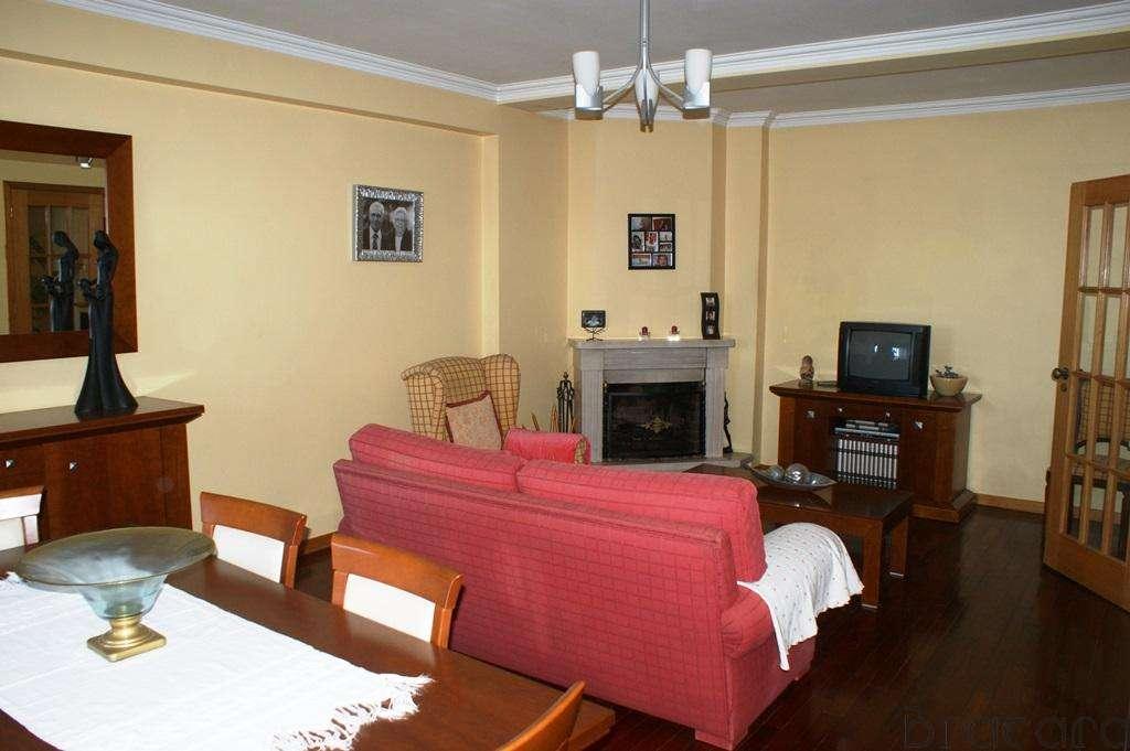 Apartamento para comprar, Rua da Igreja - Nogueira, Nogueira, Fraião e Lamaçães - Foto 2