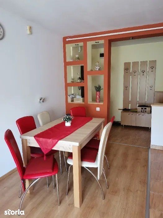 Vanzare Apartament cu 2 camere zona Bradet
