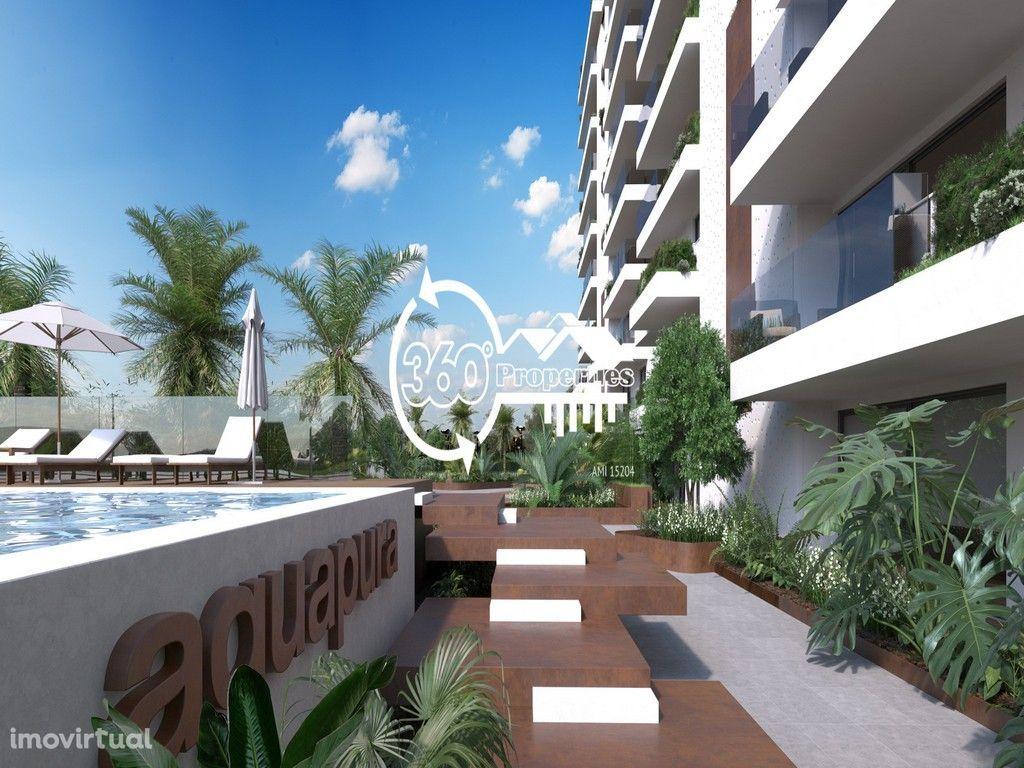 Apartamento novo T1 com garagem, jardim, e piscina em Faro