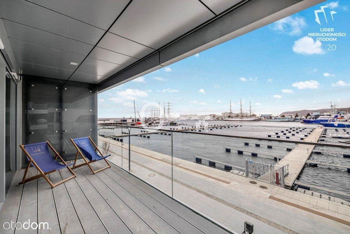 Apartament z tarasem w Yacht Park, widok na marinę