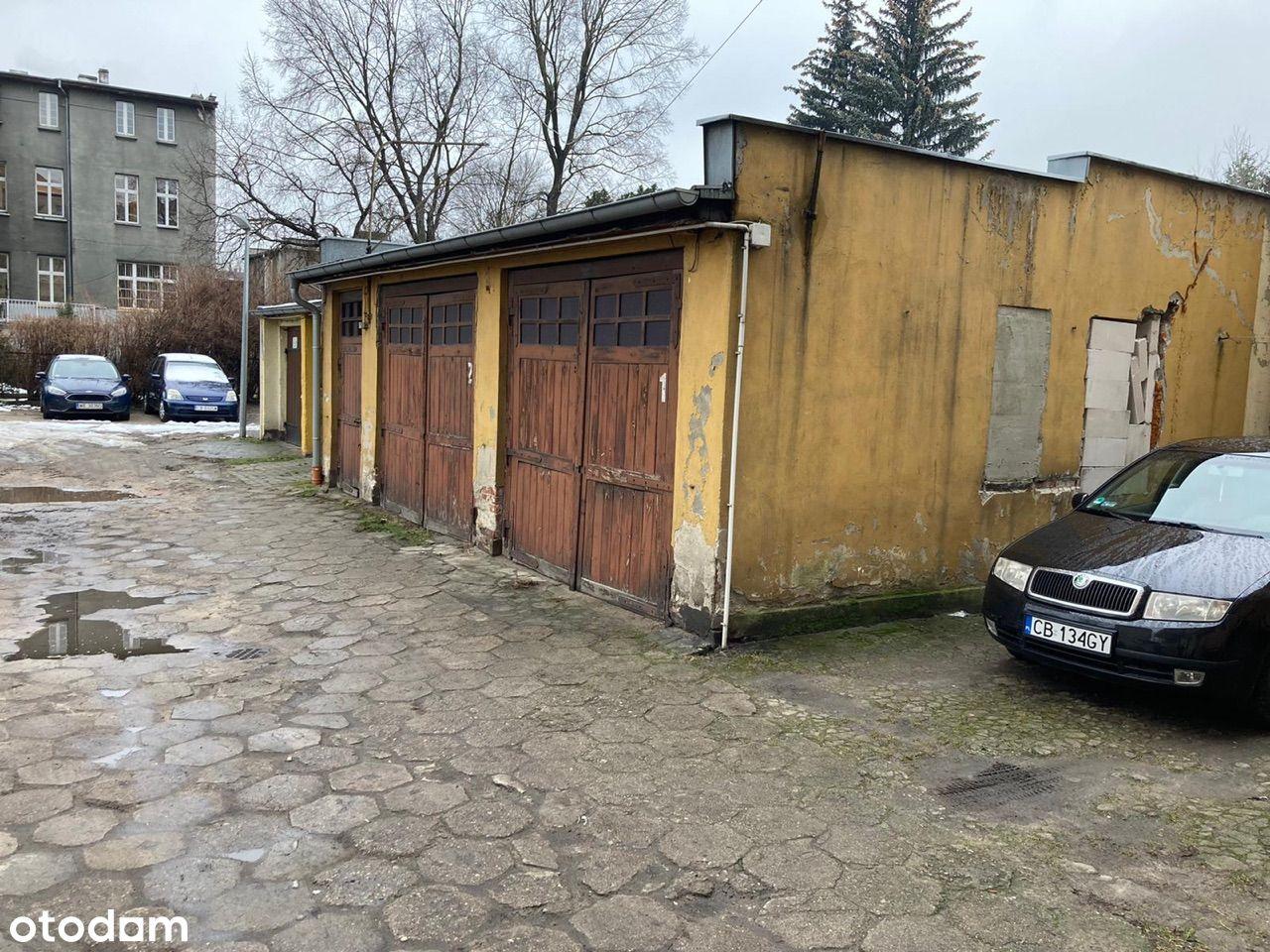Duży garaż, dwa auta + pomieszczenie gospodarcze