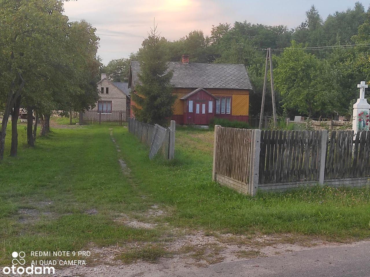 Działka , siedlisko z drewnianym domkiem
