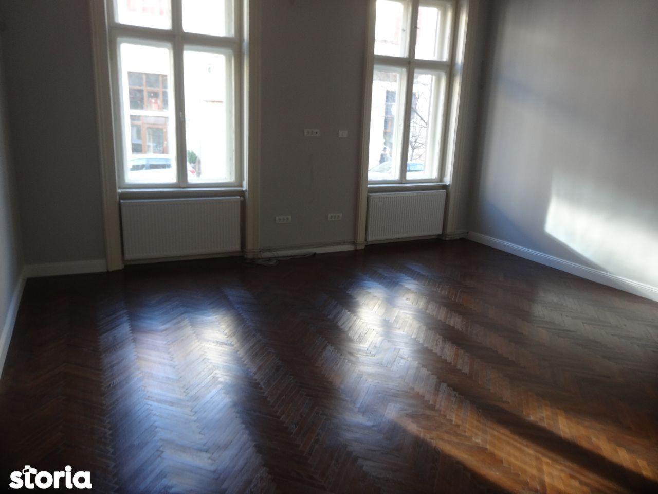 Apartament ultracentral, pretabil ca locuinta, birou, cabinet, parter