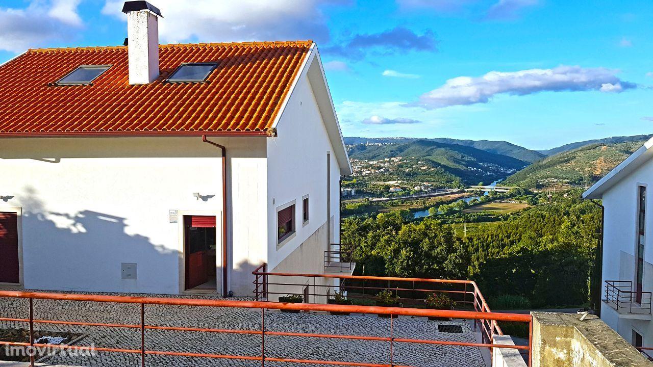Moradia com vista para Coimbra rio e montanhas
