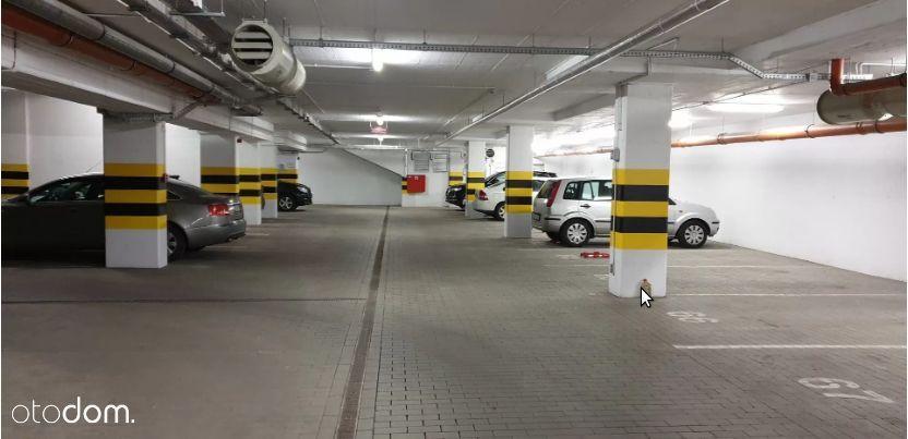 Poznań (Wilda), miejsce w hali garażowej