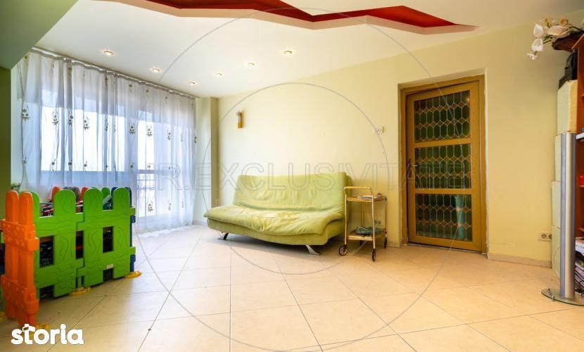 De vanzare - Apartament 3 camere Crangasi