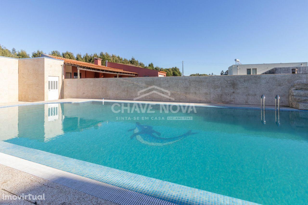 JD -Moradia em Banda T3 em condomínio fechado com piscina em Cortegaça
