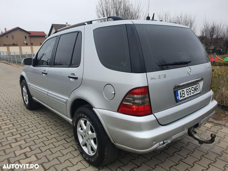 Mercedes-Benz ML 270 - 3