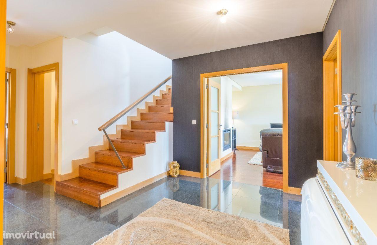 Fabuloso Apartamento T5 | Duplex | Castêlo da Maia