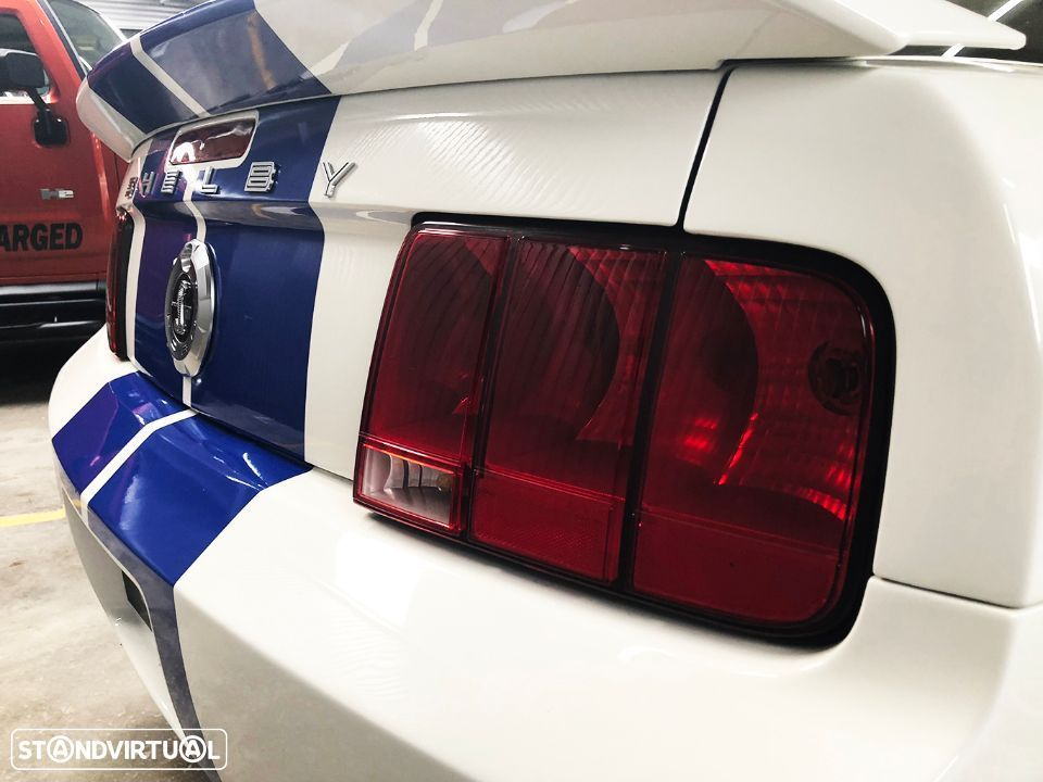 Ford Mustang Shelby GT500 V8 5.4 Supercharged - 40