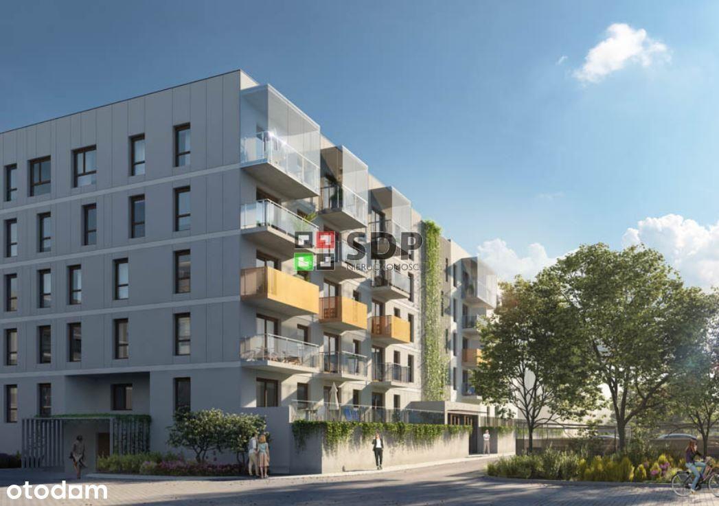 Mieszkanie z dwoma balkonami w zielonej okolicy.